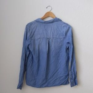 Abercrombie & Fitch Tops - Abercrombie & Fitch pocket front chambray lace up